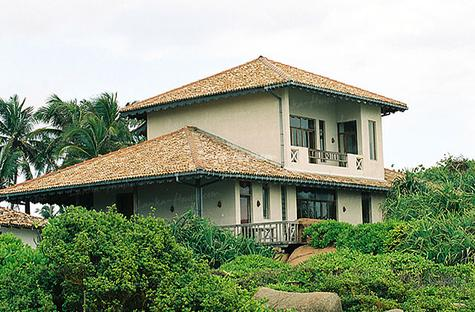 Villa on the rocks in Unawatuna.